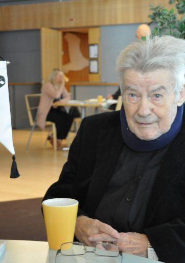 Pentti Vuorio Urheilutoimittajain Liiton kunniapuheenjohtajaksi